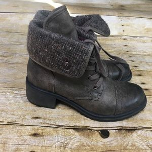 Roxy Shoes - Roxy Pepper brown heeled boot. Size 7.5